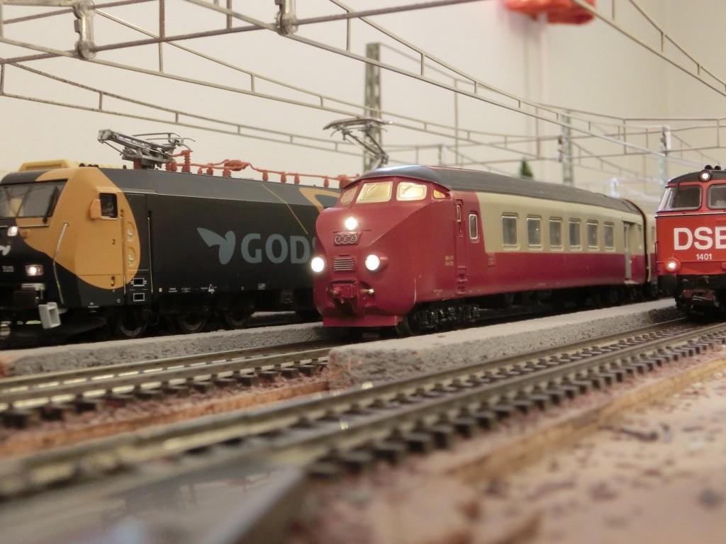 Det klassiske TEE-tog fra Märklin - nu digitaliseret med stort besvær. Foto Peter Bernt Nielsen